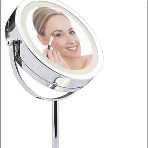 NEW LED LIGHTED MAKEUP MIRROR